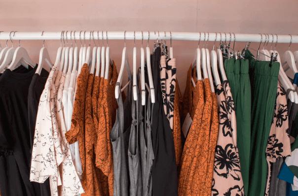 【女性の洋服の平均枚数】そもそも何枚持ってるの?